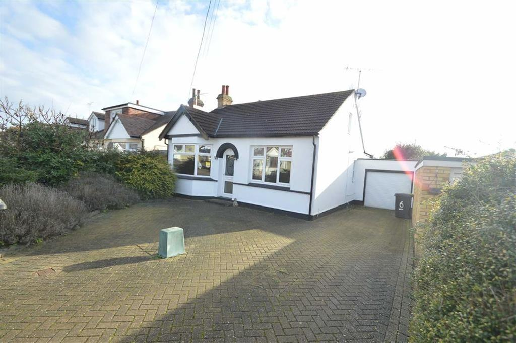2 Bedrooms Detached Bungalow for sale in Canewdon View Road, Rochford, Essex