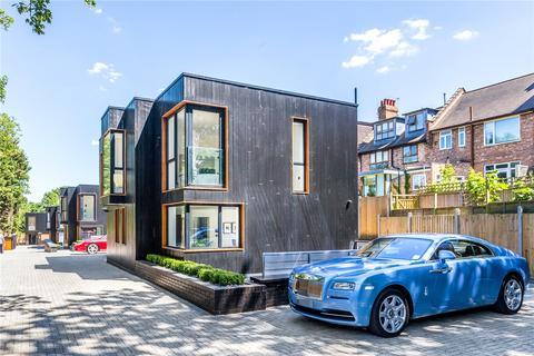 4 bedroom detached house for sale - Darcies Mews Cecile Park, London, N8