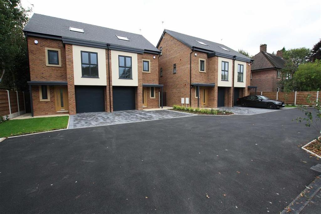 4 Bedrooms Semi Detached House for sale in Washway Road, Sale