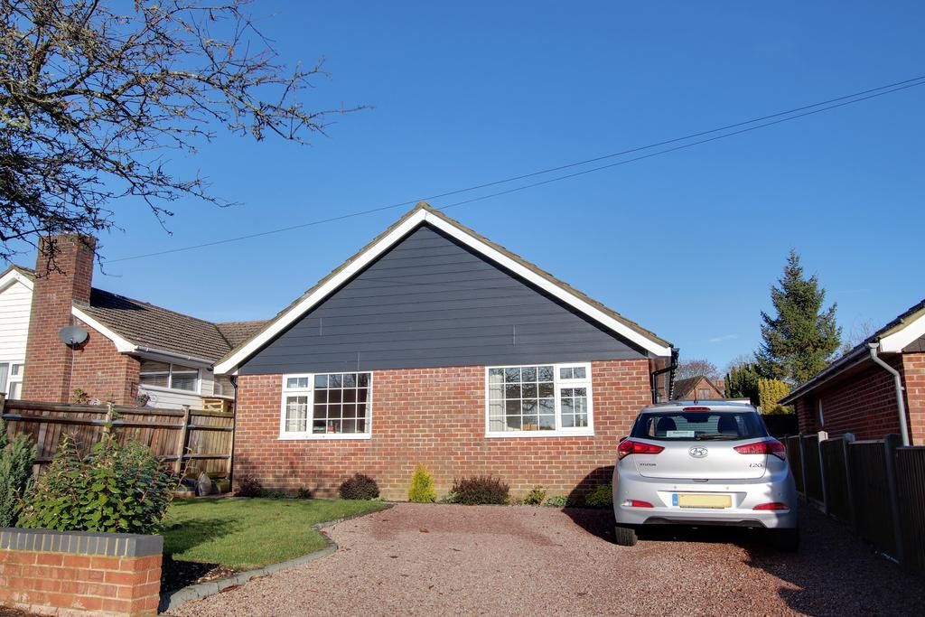 2 Bedrooms Bungalow for sale in CLANFIELD
