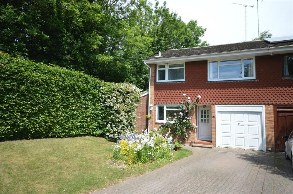 3 Bedrooms Semi Detached House for sale in New Barn, Kent