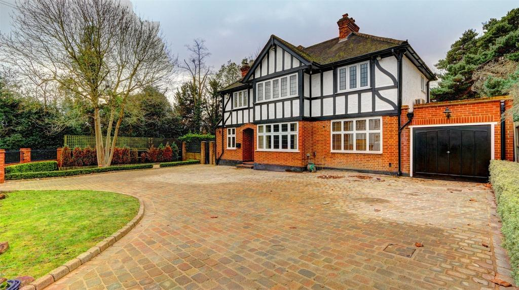 5 Bedrooms Detached House for sale in Hill Brow, Bickley, Kent