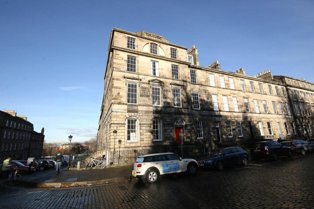 4 Bedrooms Flat for rent in Drummond Place, Edinburgh