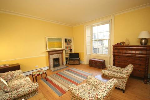 3 bedroom flat to rent - Drummond Place, Edinburgh