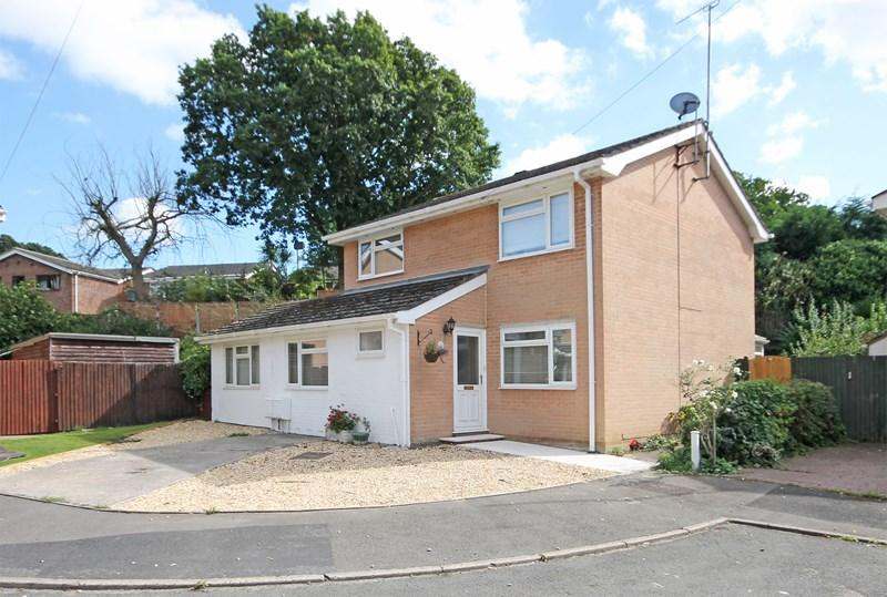 5 Bedrooms Detached House for sale in Brookside Road, Christchurch