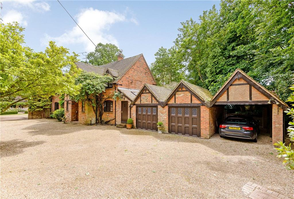 4 Bedrooms Detached House for sale in Burchetts Green Lane, Burchetts Green, Maidenhead, Berkshire, SL6