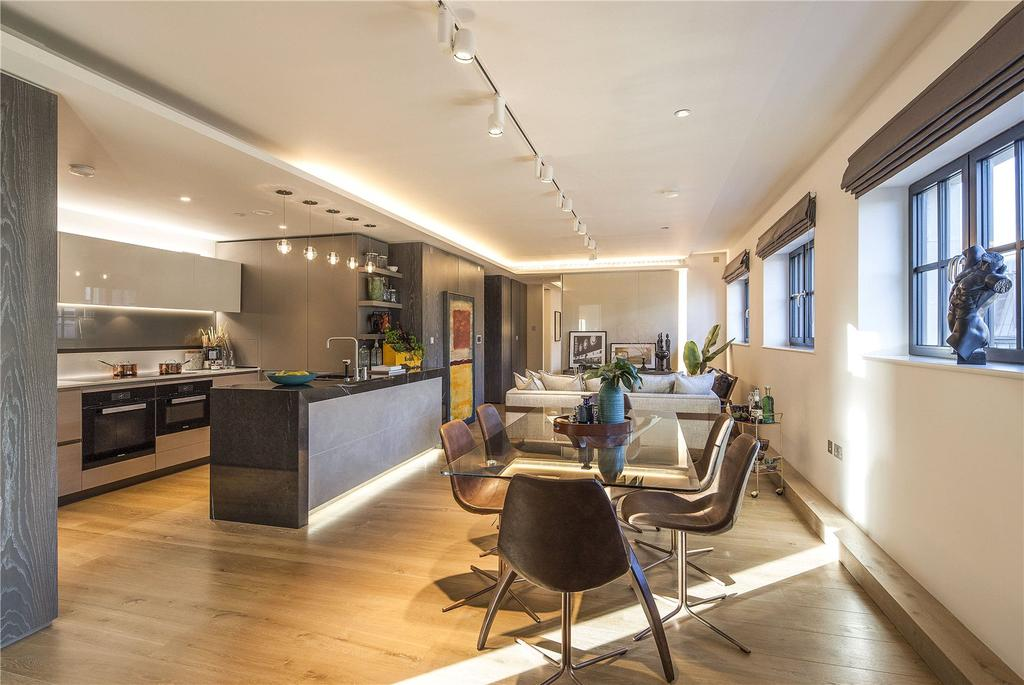 3 Bedrooms Apartment Flat for sale in Pathe Building, Soho, W1F
