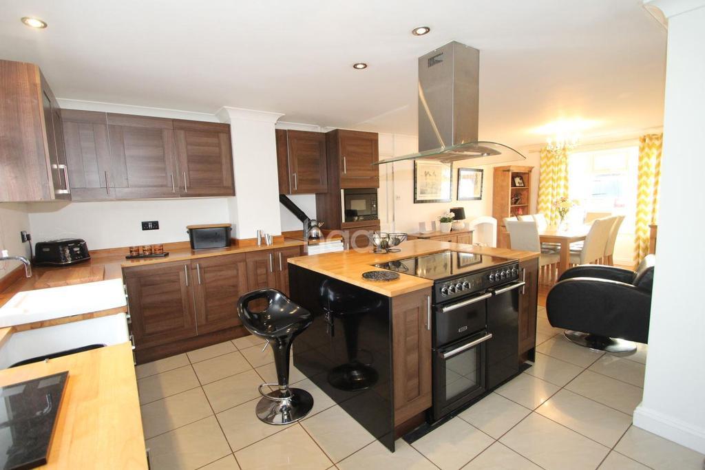 3 Bedrooms Bungalow for sale in Main Street, Pymoor