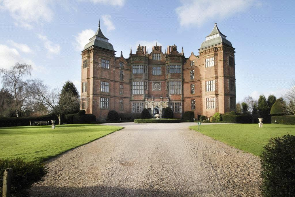 2 Bedrooms Apartment Flat for sale in Flat 4, Westwood Park, Droitwich, Worcestershire, WR9