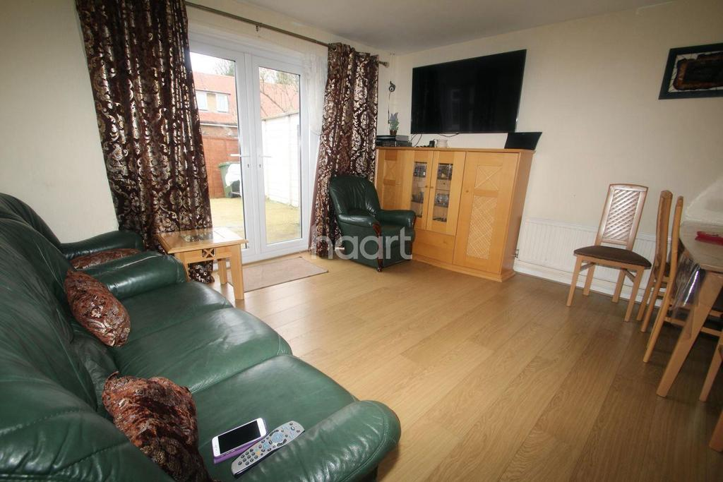 4 Bedrooms Semi Detached House for sale in Darvills Lane