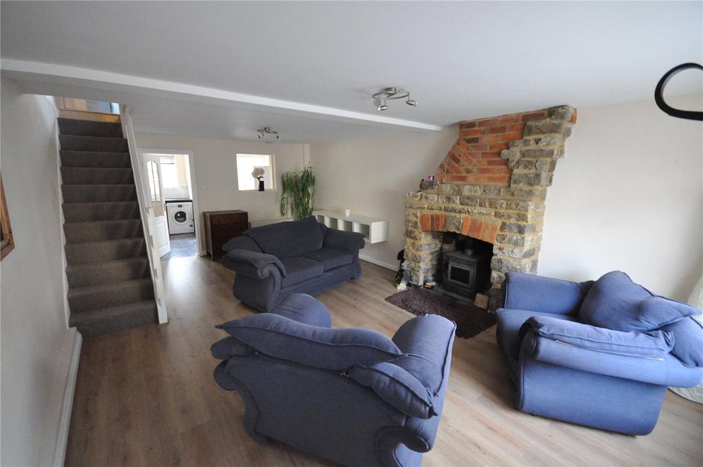 2 Bedrooms Terraced House for sale in William Street, Swindon, Wiltshire, SN1