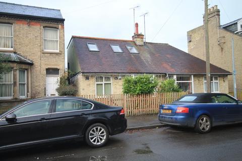 3 bedroom chalet to rent - Belvoir Road, Cambridge