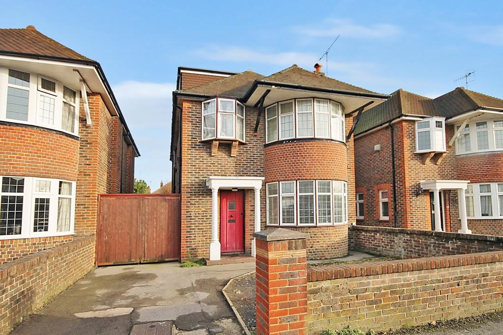 4 Bedrooms Detached House for sale in George V Avenue, West Worthing BN11 5RX