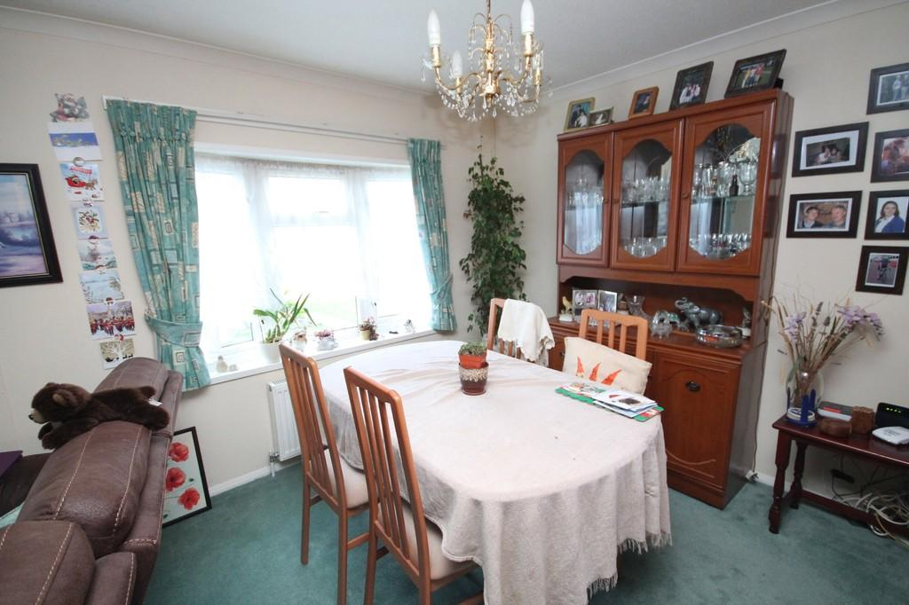 2 Bedrooms Mobile Home for sale in Drakes Close, Broadway Park, Lancing, BN15 8NT
