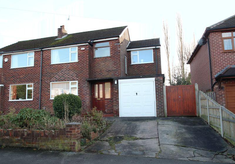 3 Bedrooms Semi Detached House for sale in Urwick Road, Romiley