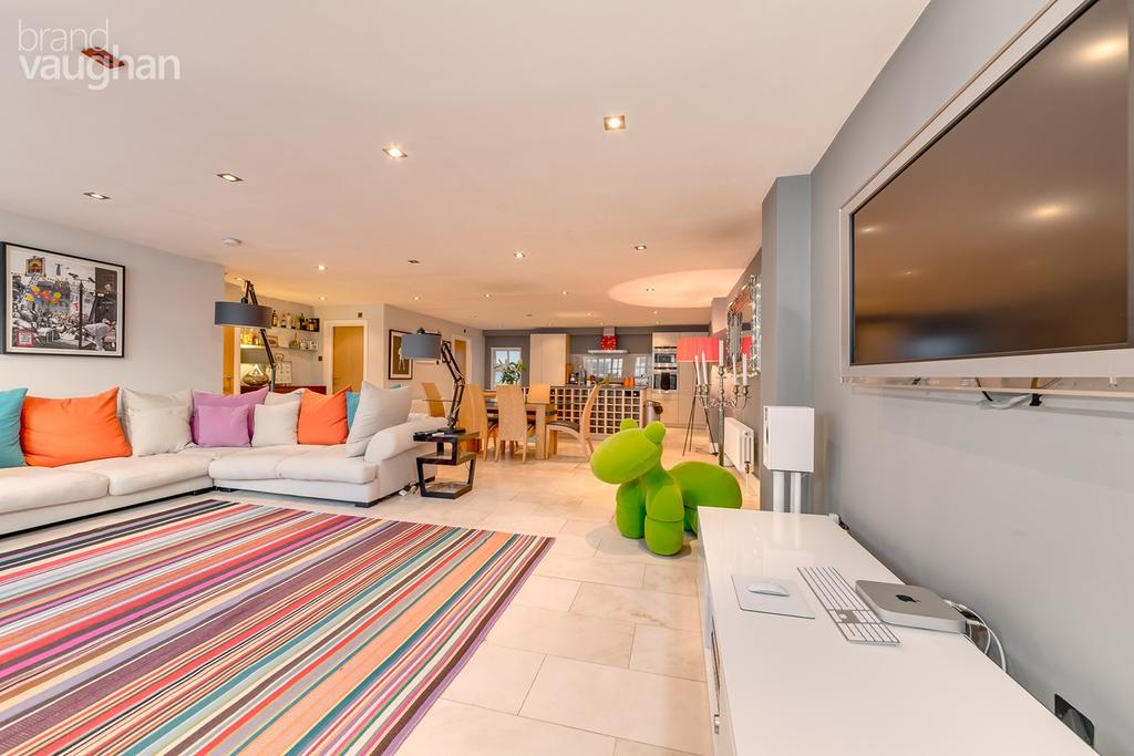 3 Bedrooms Terraced House for sale in Brunswick Street West, Hove, BN3