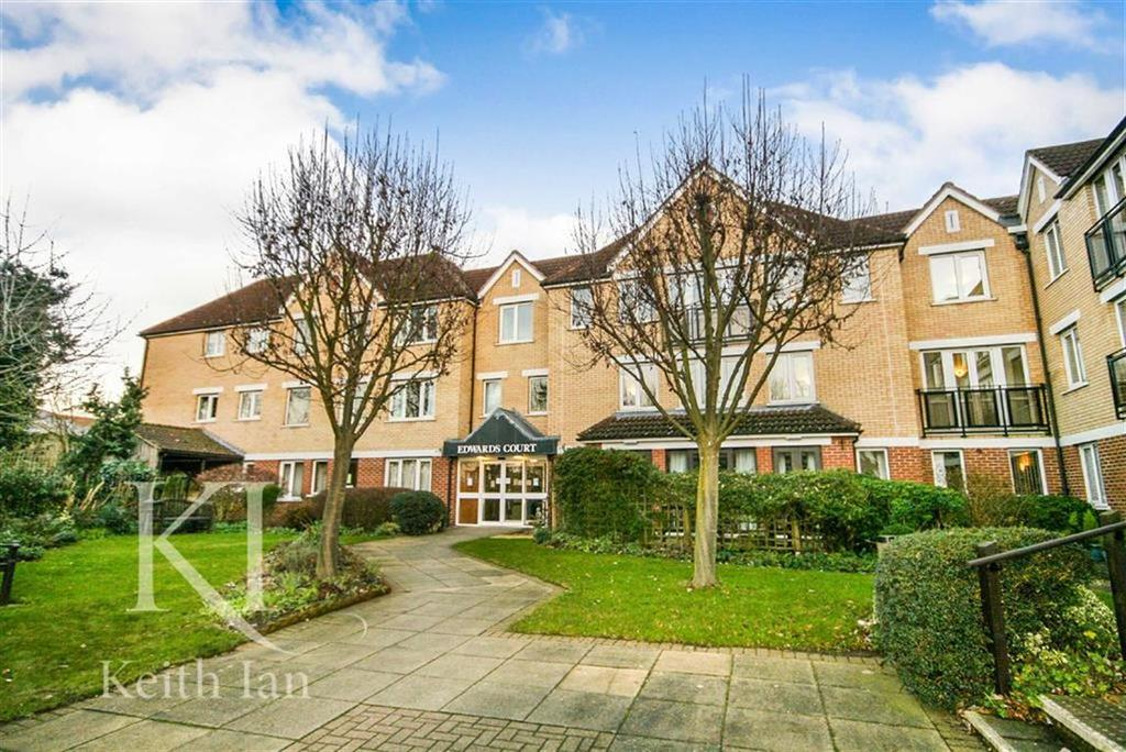 1 Bedroom Retirement Property for sale in Edwards Court, Cheshunt