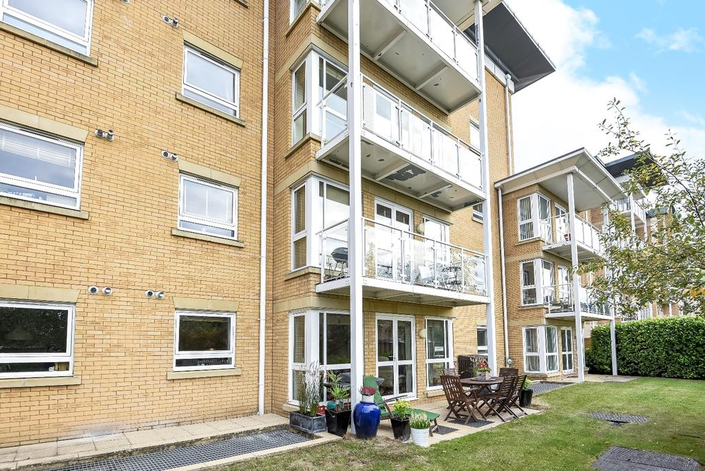 2 Bedrooms Flat for sale in Wheeler Place Bromley BR2