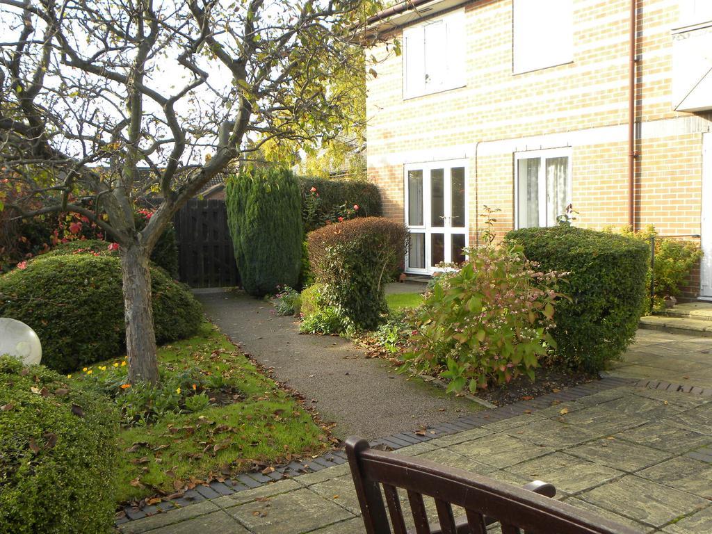 1 Bedroom Retirement Property for sale in Davis Court, Marlborough Road, St. Albans AL1