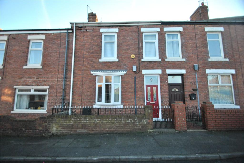 3 Bedrooms Terraced House for sale in Ropery Walk, Seaham, Co Durham, SR7