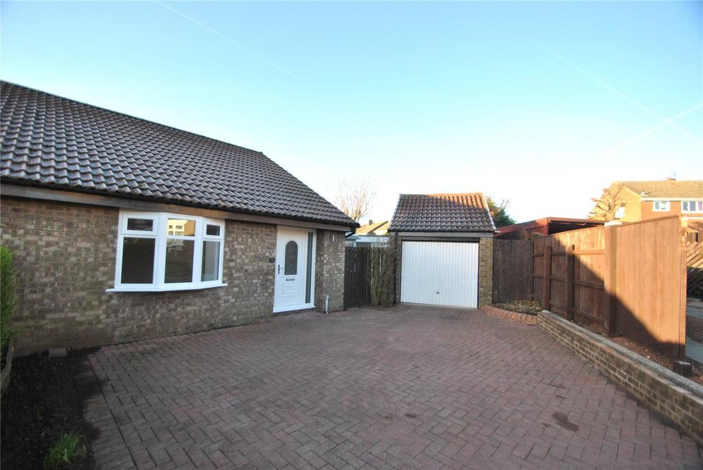 2 Bedrooms Semi Detached Bungalow for sale in Windslonnen, Murton, Seaham, Co. Durham, SR7