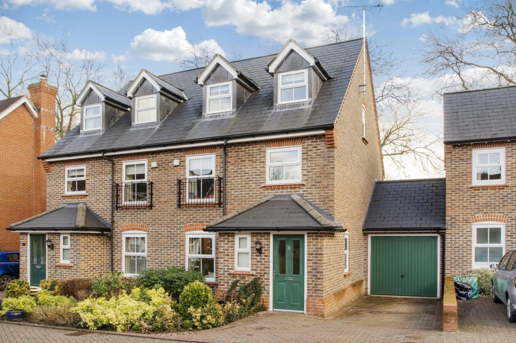 4 Bedrooms Semi Detached House for sale in Twiss Square, Winchester, Hampshire, SO23