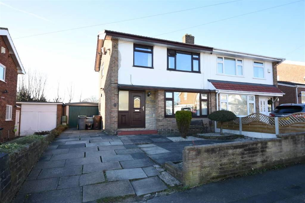 3 Bedrooms Semi Detached House for sale in Wynford Way, Bradford