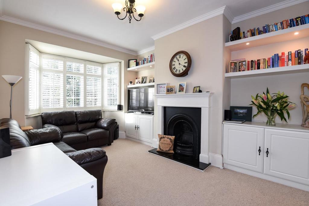 3 Bedrooms Maisonette Flat for sale in Fieldview, Earlsfield, SW18