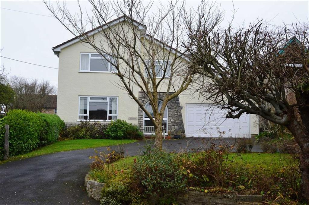 4 Bedrooms Detached House for sale in Middle Road, Poole, Dorset