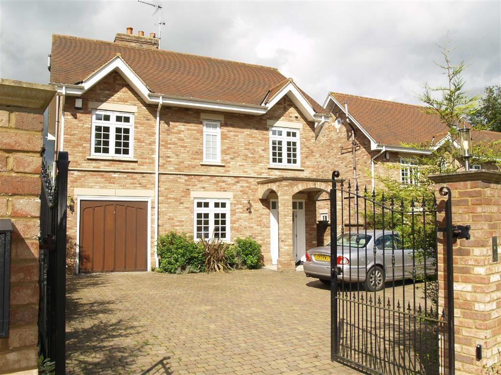 4 Bedrooms Detached House for sale in Sandalwood Close, Arkley, Hertfordshire
