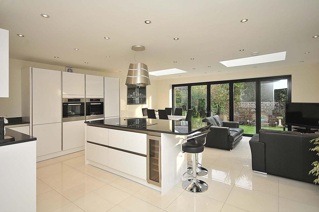 4 Bedrooms Detached House for sale in Riddings Lane, Hartford