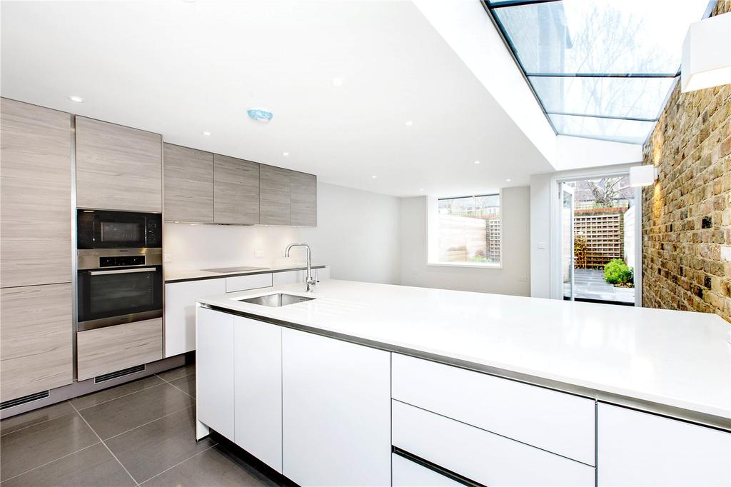 4 Bedrooms End Of Terrace House for sale in Russell Road, Wimbledon, SW19