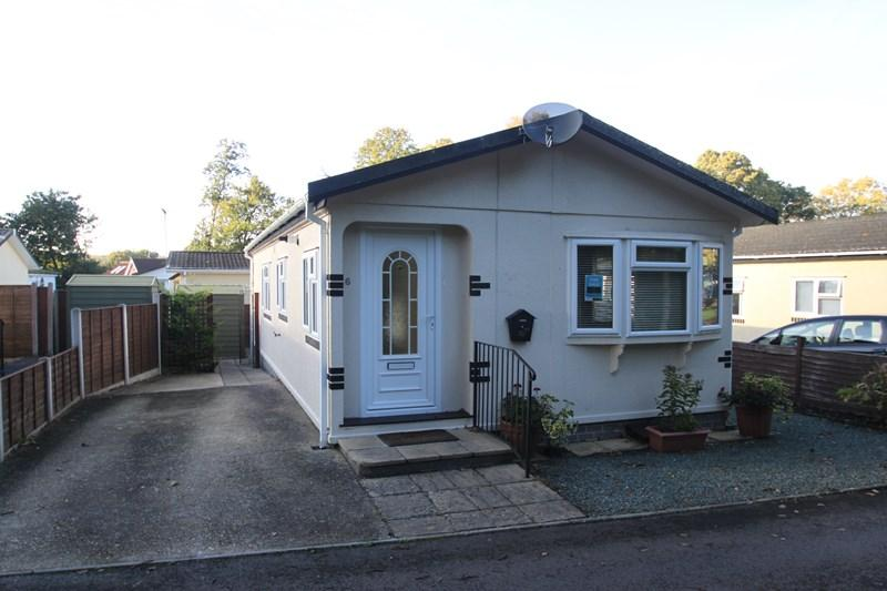 2 Bedrooms Mobile Home for sale in Dewlands Park, Verwood