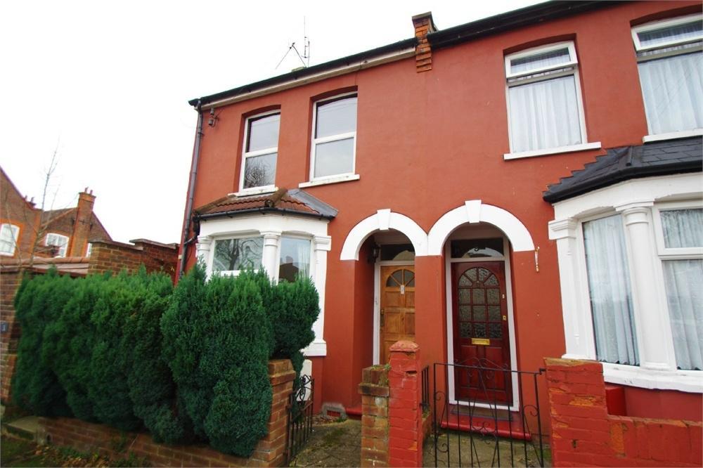 1 Bedroom Flat for sale in Gammons Lane, Watford, Herts