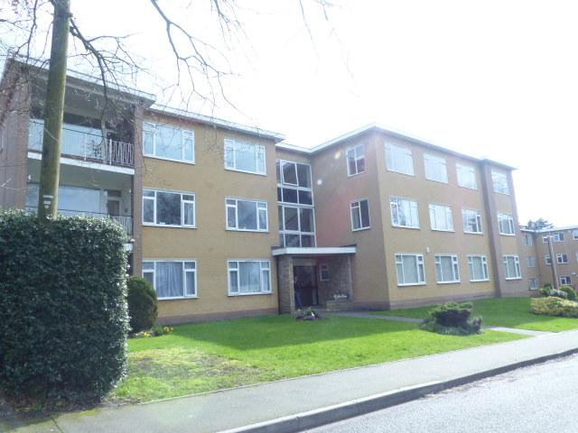 3 Bedrooms Flat for sale in St Johns House,Seymour Gardens,Crown Lane, Four Oaks