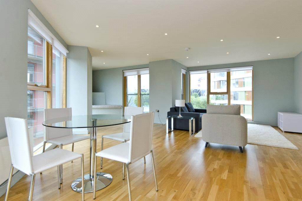 2 Bedrooms Flat for sale in Ink Court, 419 Wick Lane, London, E3