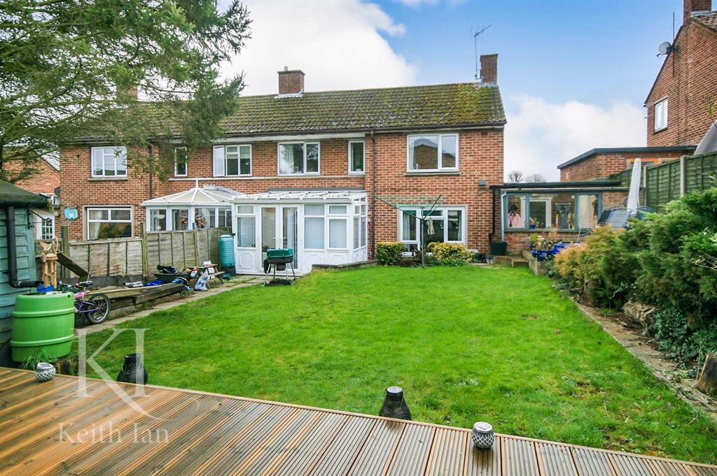 3 Bedrooms Semi Detached House for sale in Windmill Way, Much Hadham