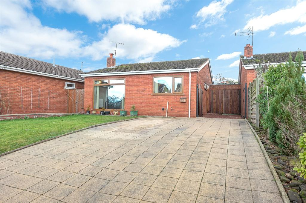 2 Bedrooms Detached Bungalow for sale in Jubilee Drive, Highley, Bridgnorth, Shropshire