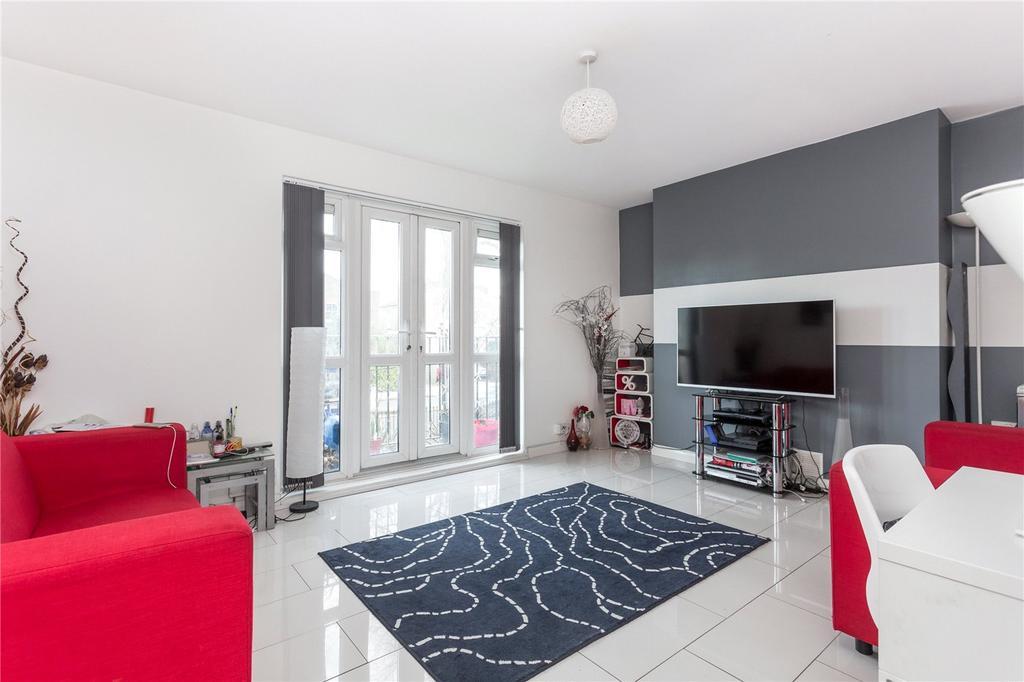 3 Bedrooms Maisonette Flat for sale in Livermere Court, Queensbridge Road, London, E8