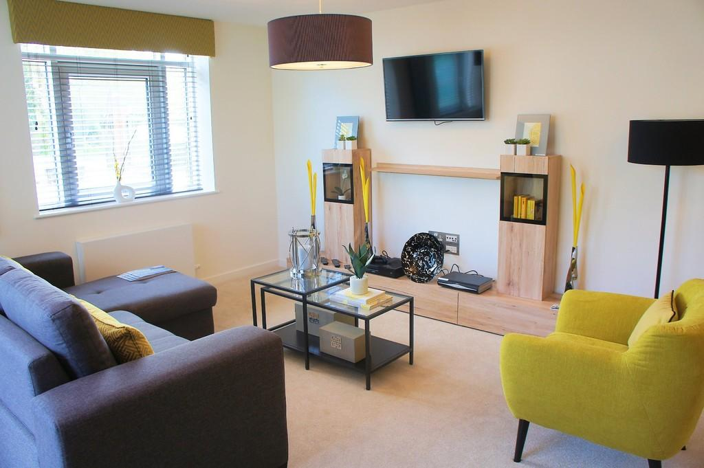 2 Bedrooms Apartment Flat for sale in Hampton Court, Hampton-In-Arden, B92 0AJ