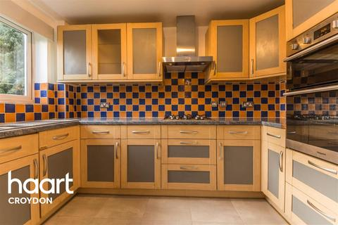 2 bedroom flat to rent - Wren Court, CR0