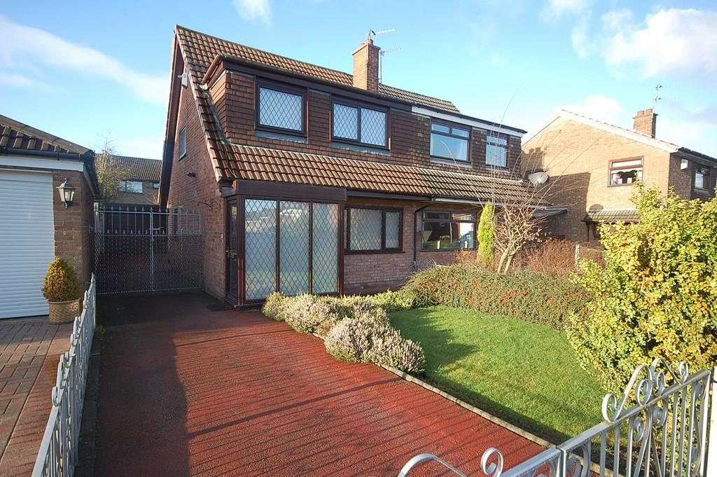 3 Bedrooms Semi Detached House for sale in Prenton Avenue, Clock Face, St. Helens