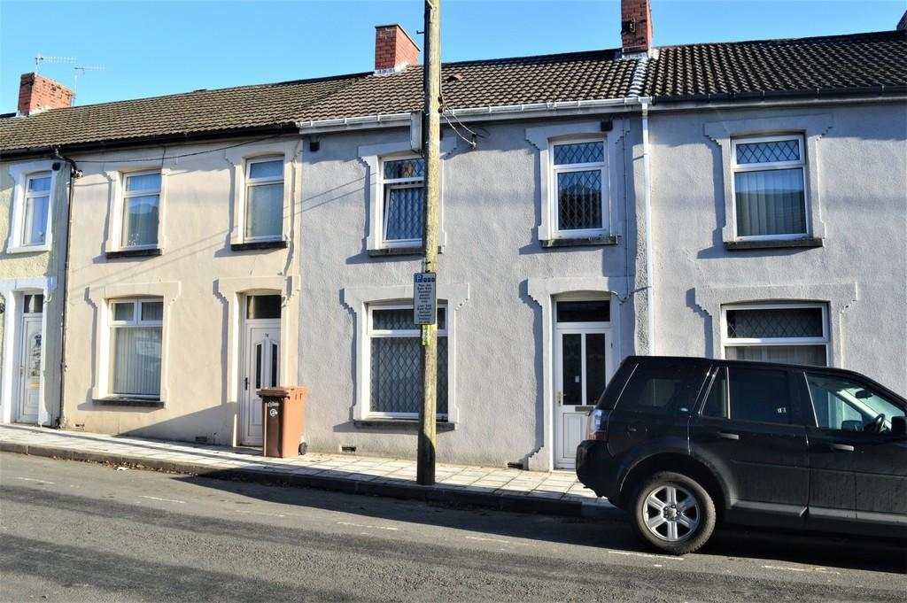 2 Bedrooms Terraced House for sale in Central Street, Ystrad Mynach