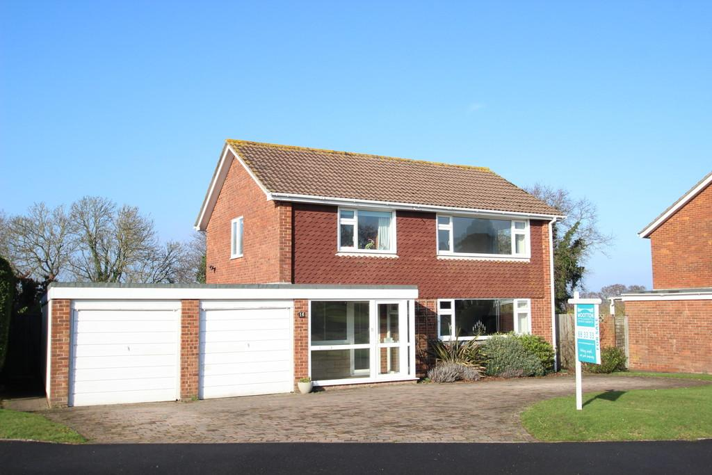 4 Bedrooms Detached House for sale in Solent View Road, Seaview