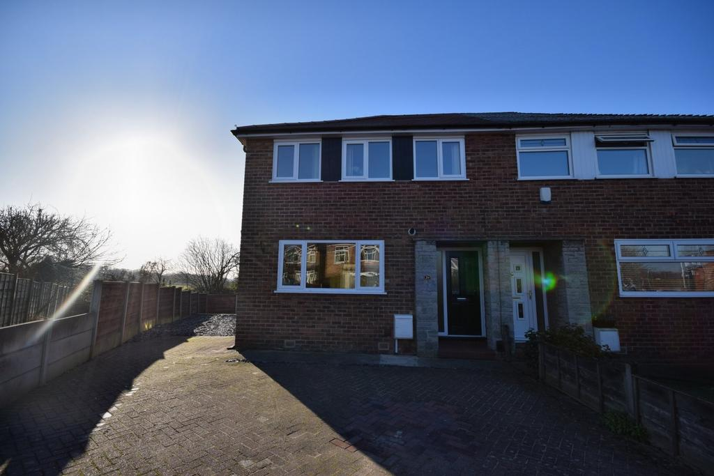 3 Bedrooms Semi Detached House for sale in Hartington Drive, Hazel Grove, Stockport