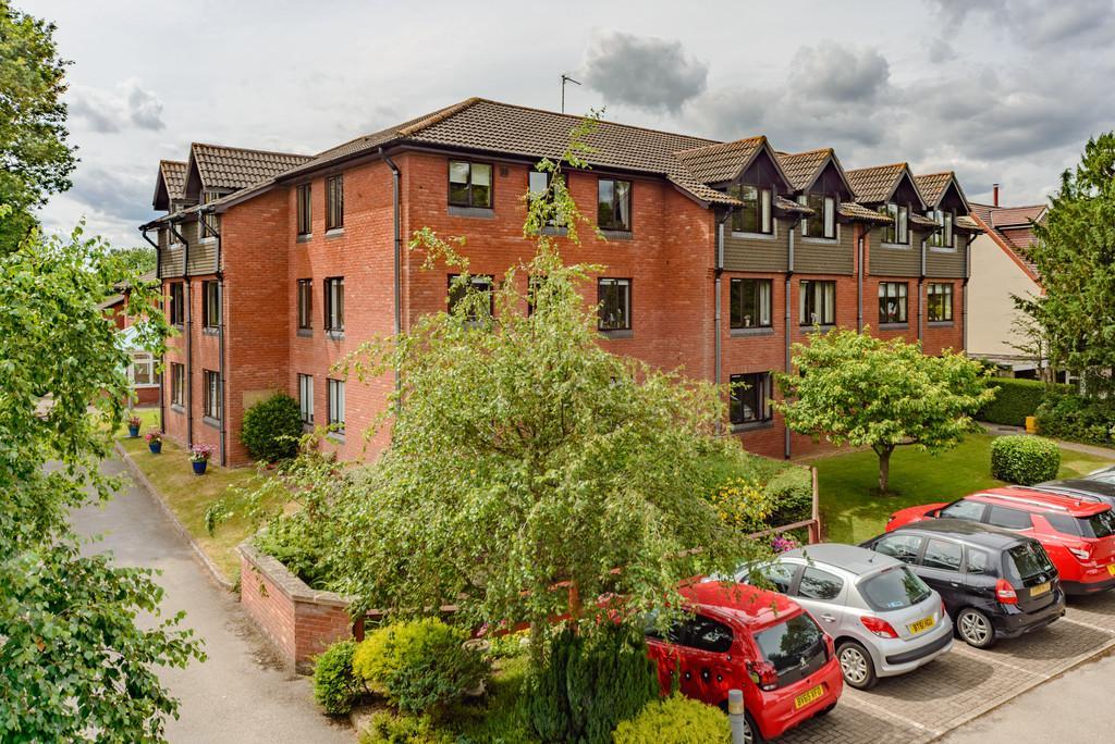 1 Bedroom Flat for sale in Oaklands Court, Warwick Road
