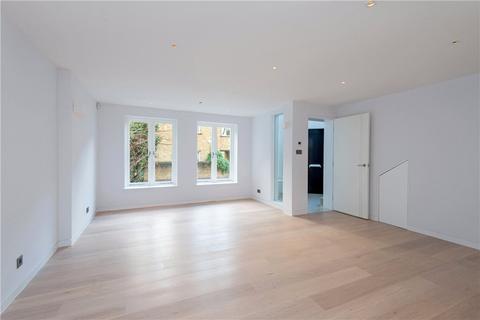 4 bedroom mews to rent - Walpole Mews, St John's Wood, London, NW8