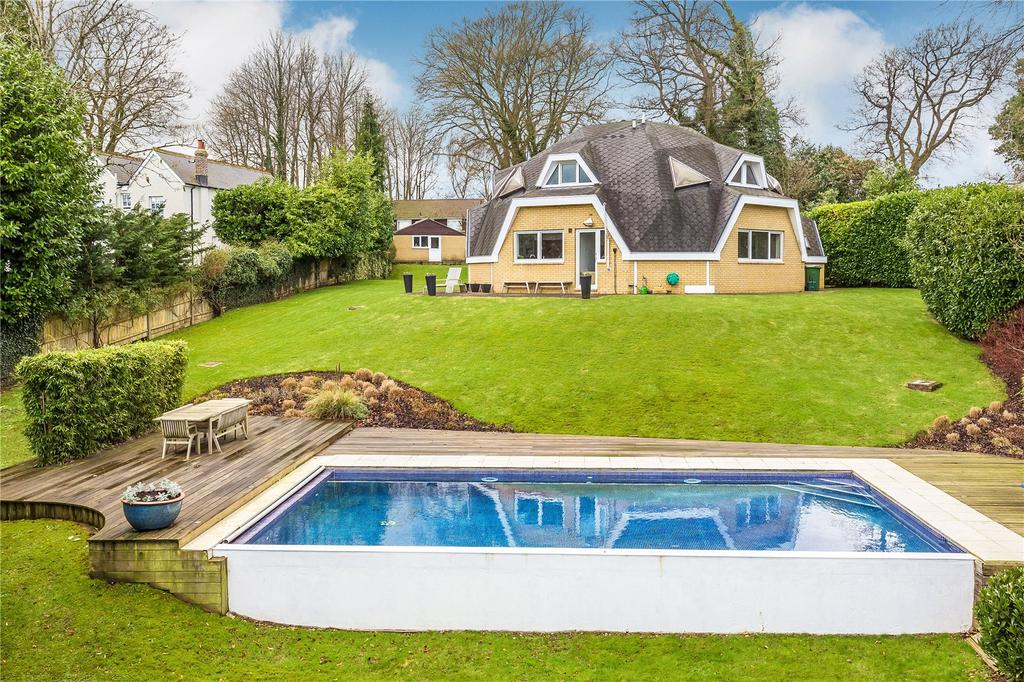 4 Bedrooms Detached House for sale in Paynesfield Road, Tatsfield, Westerham, Kent, TN16