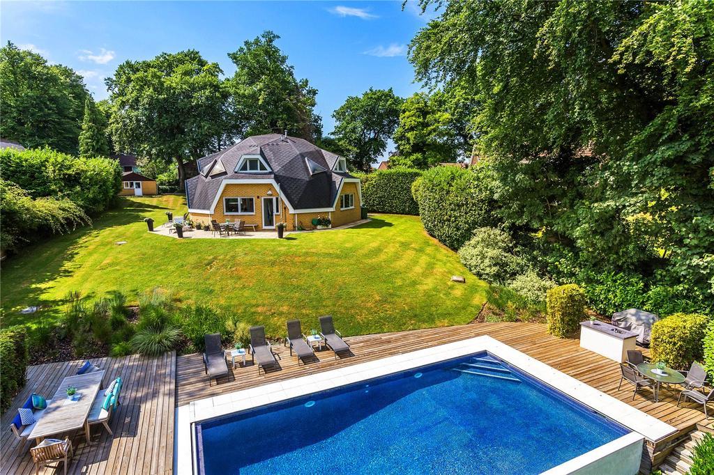 4 Bedrooms Detached House for sale in Paynesfield Road, Tatsfield, Westerham, Kent, TN16