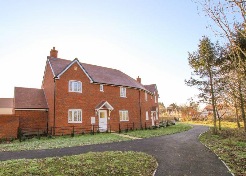 3 Bedrooms Semi Detached House for sale in Jack's Lea, Uffington